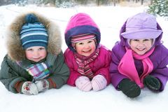 children-winter-27107538